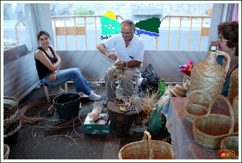 José Inácio Rosa (José 'Ilídio' para os amigos) artesão de vime